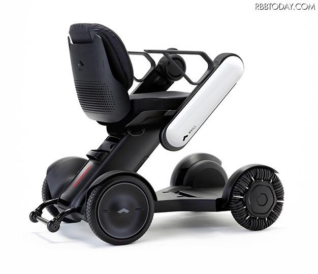 直観操作や収納性強化の電動車いす「WHILL Model C」登場!3G通信でファームアップも可能!