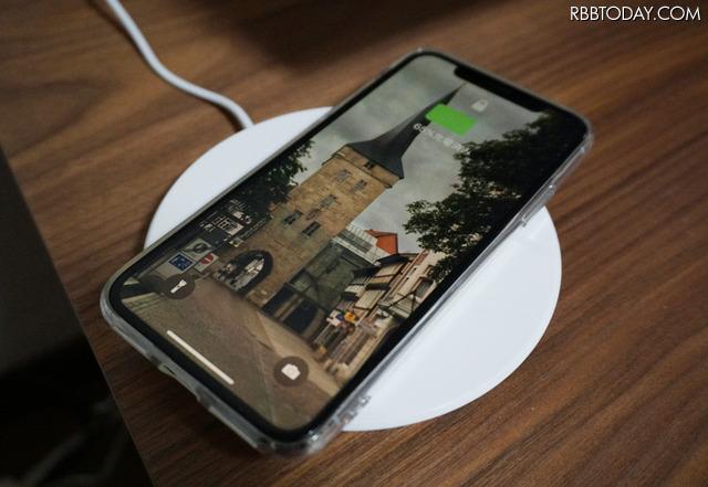 iPhone X、iPhone 8シリーズが対応したワイヤレス充電を使って試した