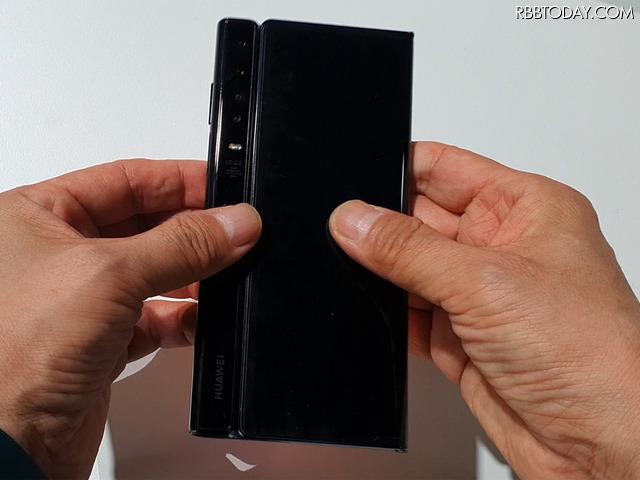 ファーウェイの折りたたみスマートフォン「Mate Xs」の画面を開閉してみた